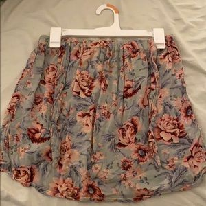 Strapless floral top with ties for around arms